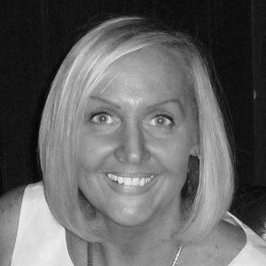 Lorraine Halliday : Board Member