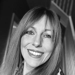 Lisa Bennett : Board Member